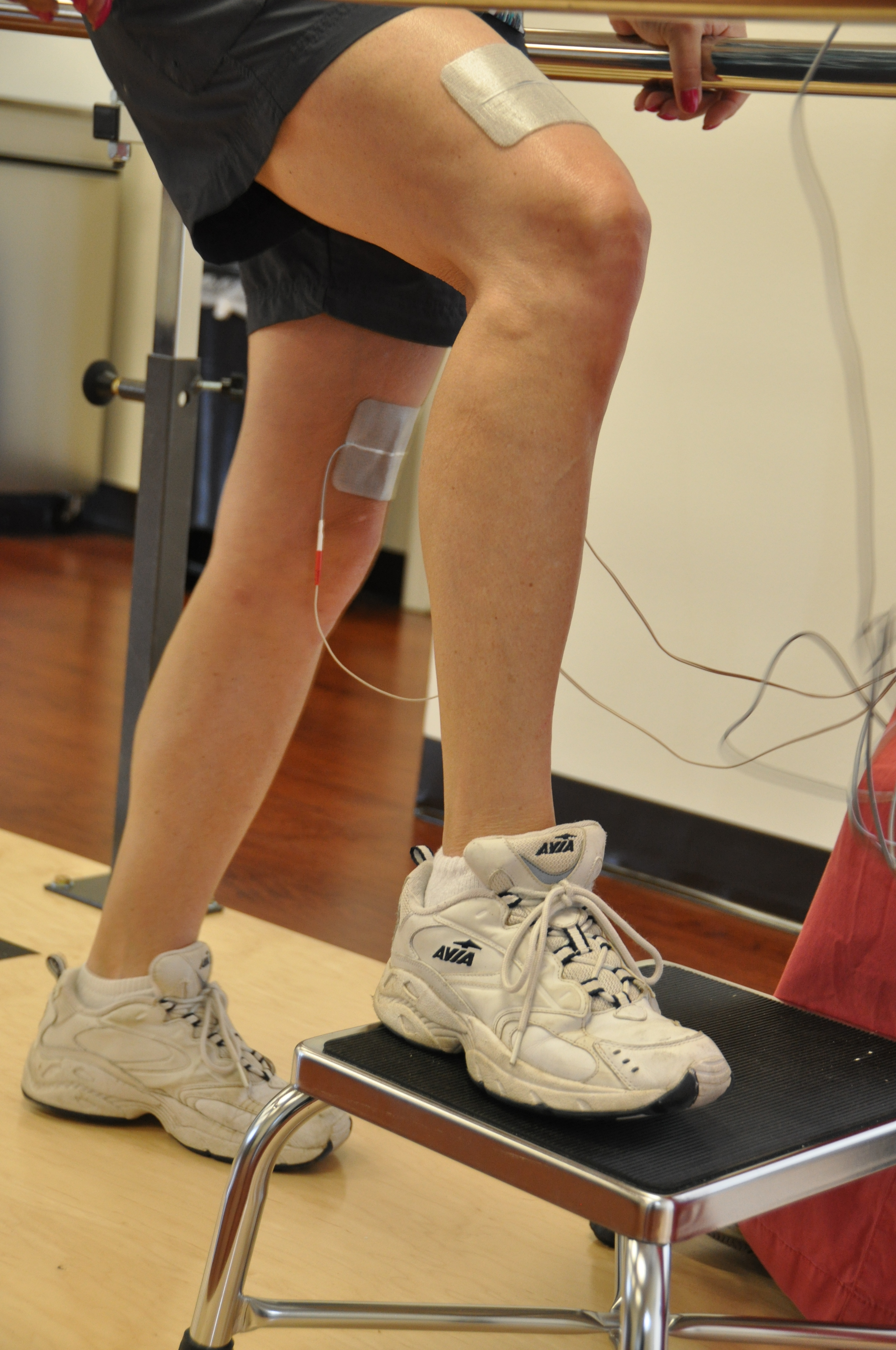 Functional electrical stimulation assisted stepping
